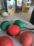 barvení vajec na Velikonoce